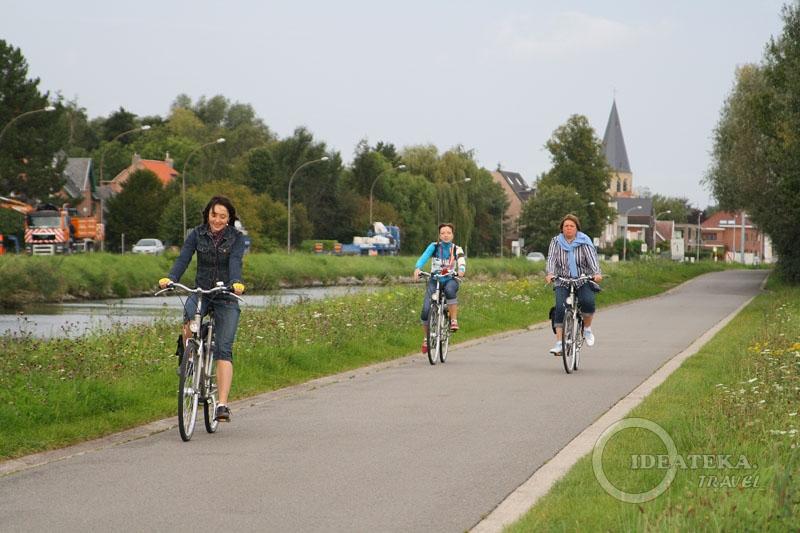 На велодорожке между Мехеленом и Левеном