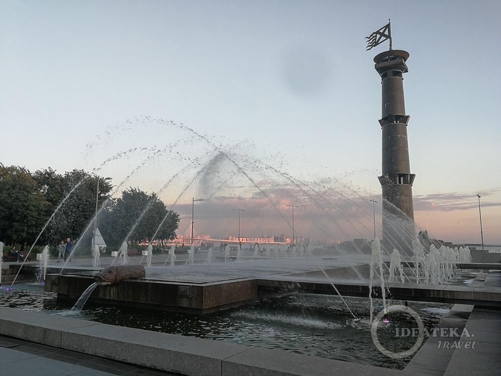 Фонтан в парке 300-летия Санкт-Петербурга