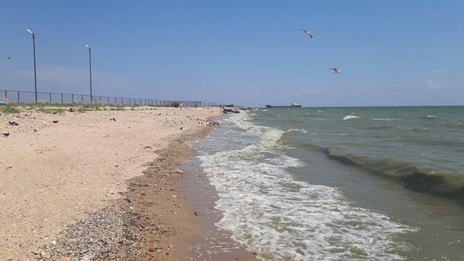Дикий пляж в Таганроге